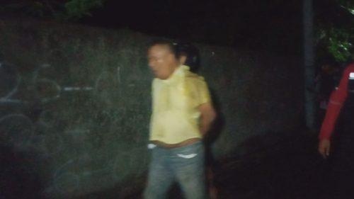 Pelaku SU (49) saat diringkus anggota Satnarkoba Polresta Mataram, Jumat (21/2) dini hari sekitar pukul 01.30 Wita.